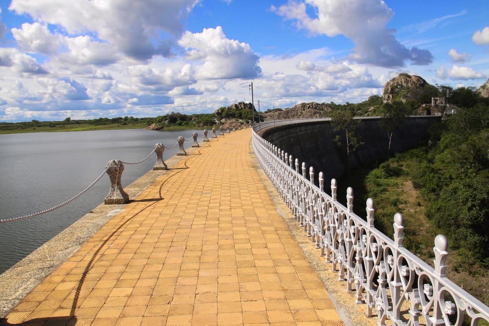 e5d8494a0 Vista parcial da barragem do acude de Quixadá.