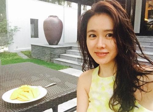"""Chỉ là ảnh đời thường thôi, """"chị đẹp"""" Son Ye Jin cũng làm say lòng người như thế này  - Ảnh 11."""