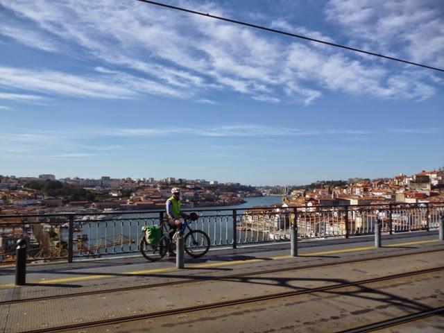 Puente sobre el río Duero. Oporto