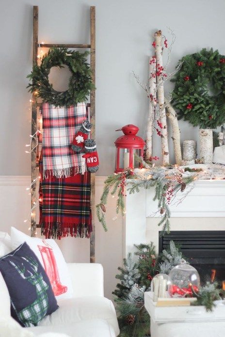Stunning Christmas Decor Ideas With Farmhouse Style For Living Room