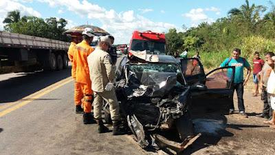 Condutor de Van comete imprudência e provoca grave acidente na BR-135