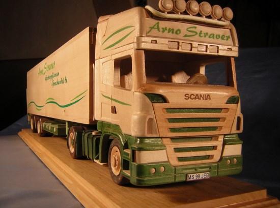 miniatur truk kayu kontainer mainan