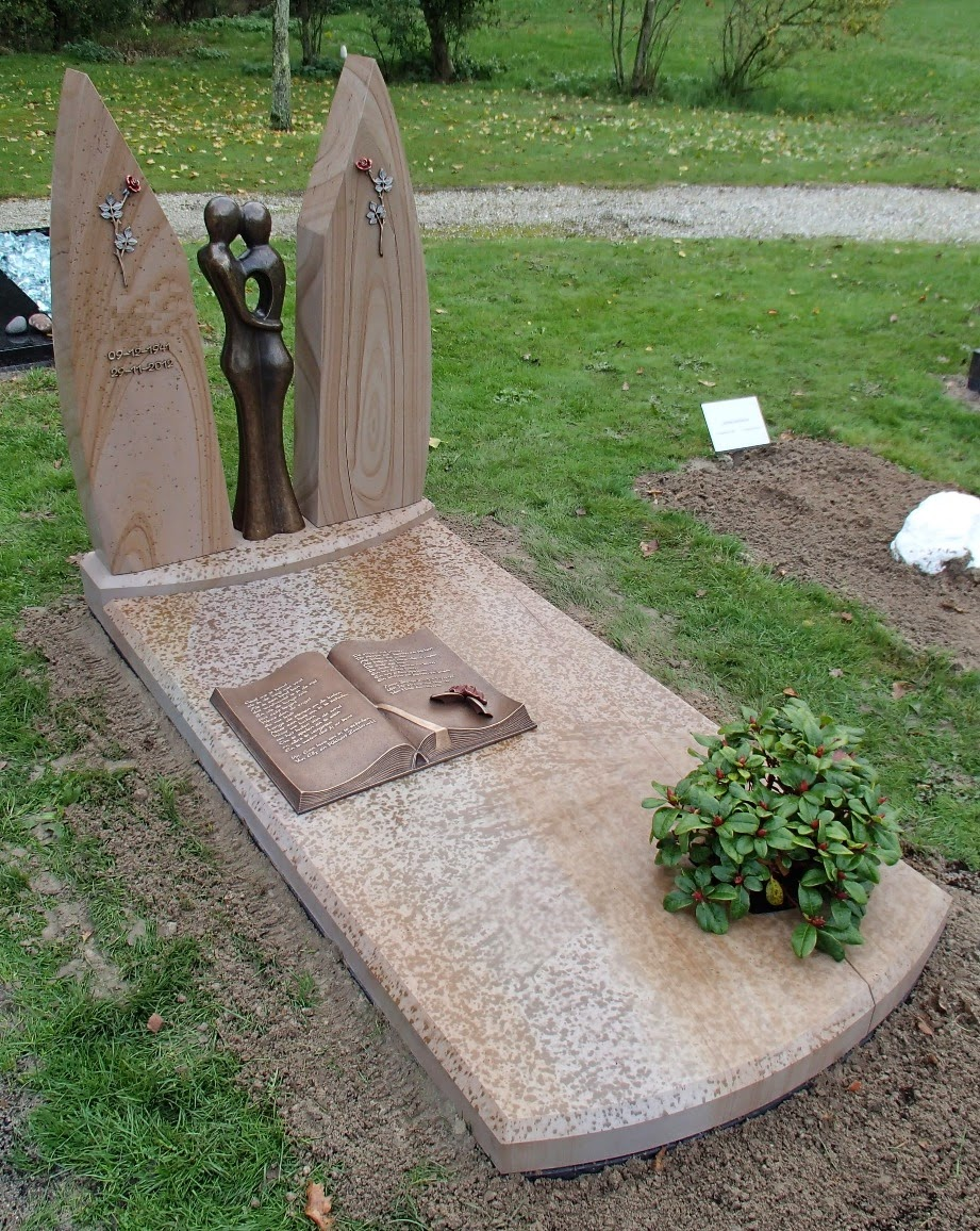 Grafmonument van hout