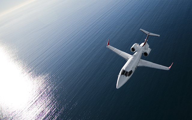 Bombardier Learjet Inflight