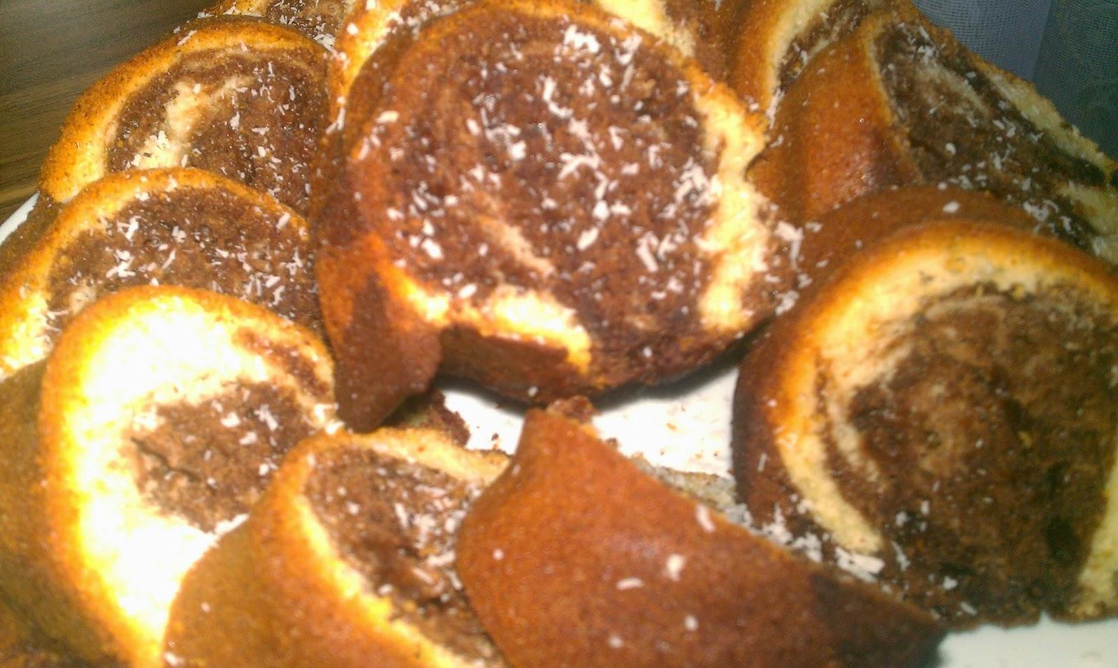Acıbadem Aromalı Damla Çikolatalı Kek