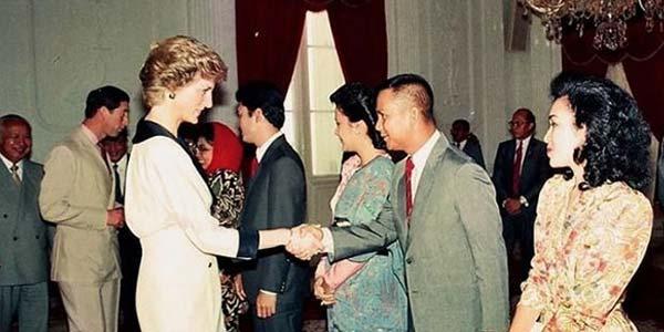 Prabowo Foto Bareng Lady Diana, Netizen Bangga
