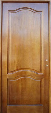 usa din lemn masiv