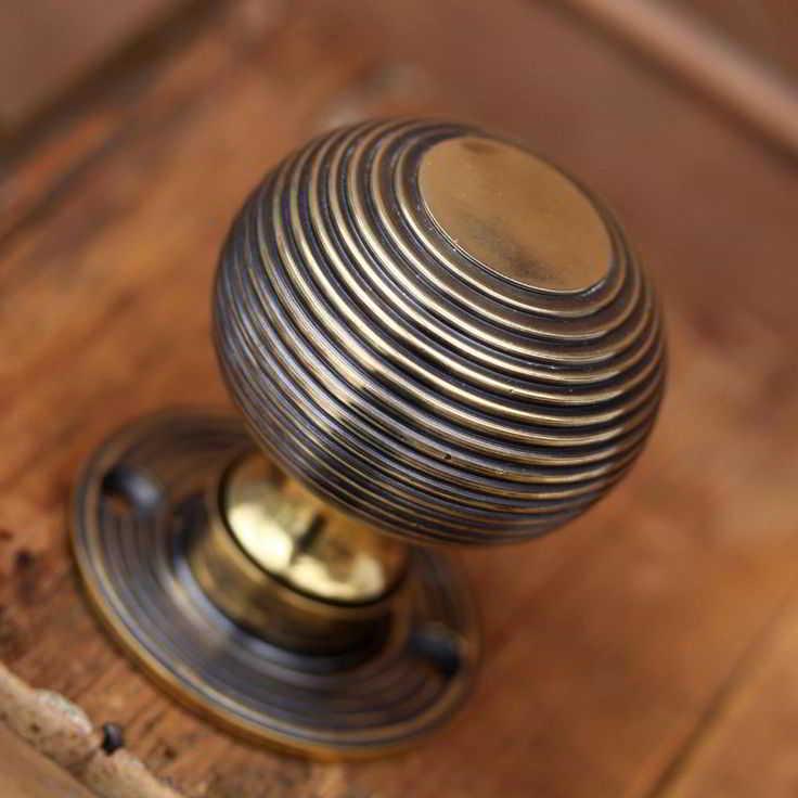 Handle Pintu Rumah Klasik Bundar