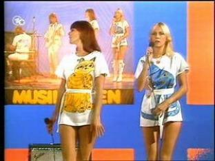 abba agnetha annifrida 80s sexy bottom minifalda miniskirt