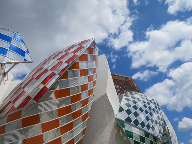 Buren-à-la-fondation-Vuitton-imageJPEG