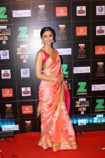 Alia Bhatt at Zee Cine Awards 2017 Sizzling Video and Pics