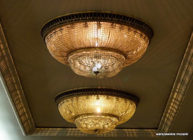 oświetlenie lampa żyrandol Warszawa Warsaw detale PRL socrealizm architektura
