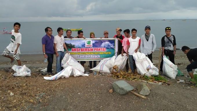 Aksi Bersih Pantai Lungkak Bersama Lambur Community