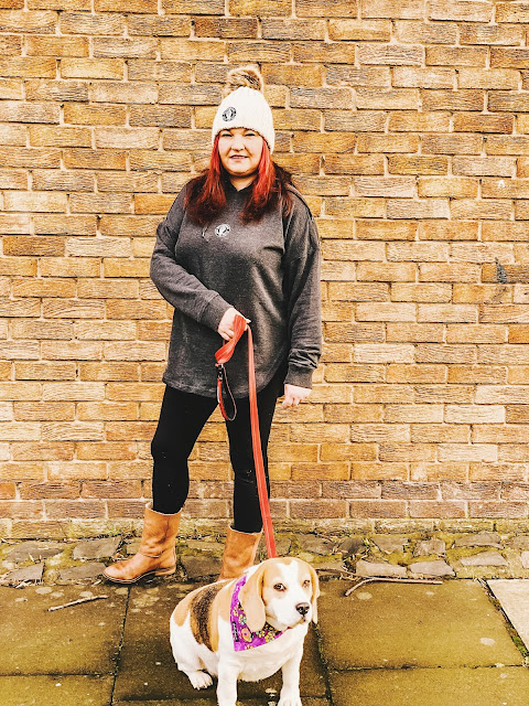 mandy in a hat and hoodie celebrating the northern soul movement from 45 revs, mandy charlton, photographer, blogger, the joy of missing out