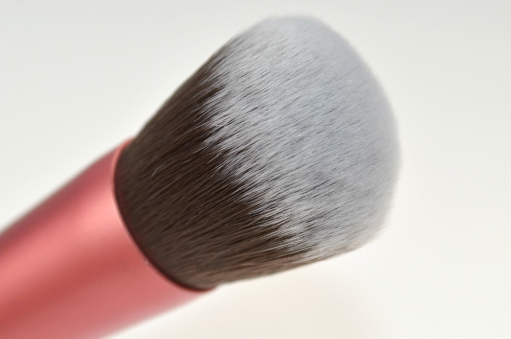 The £2 Real Techniques Brush Dupe - Is it worth a try!?