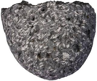 Jenis dan Klasifikasi Batuan Beku, Struktur Batuan Beku, dan Tekstur Batuan Beku