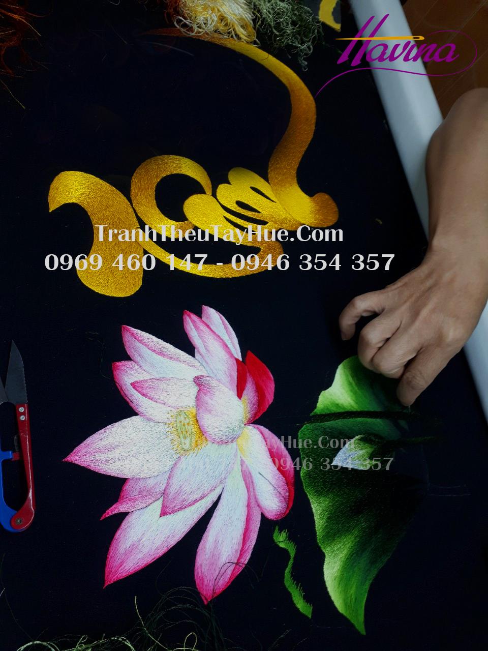 tranh chữ Tâm hoa sen