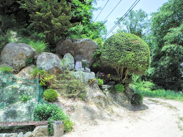 宝山寺参詣道