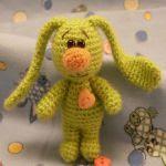 http://patronesamigurumis.blogspot.com.es/2016/06/patron-gratis-conejo-amigurumi-19498.html