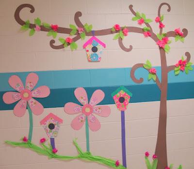 Un toque de mercy flores de papel para decorar puerta y pared de escuela - Flores para decorar paredes ...