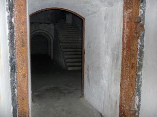 Тараканов. Форт. Внутренние помещения казармы