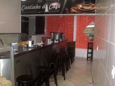 ZEZITO PADARIA, CONFEITARIA E LANCHONETE Rua. Francisco Correia da Silva,883 Vila Maciel - Itapetininga - SP E-mail: padariazezitobolos@hotmail.com tel:(15)3271-3545 / 99141-2833