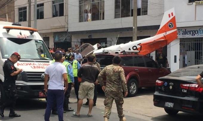 Dos heridos dejó la caída de avión de instrucción FAP en la avenida Surco
