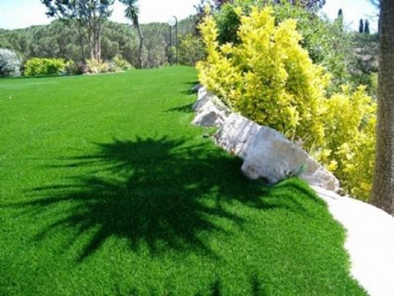 Grama sintética para paisajismo
