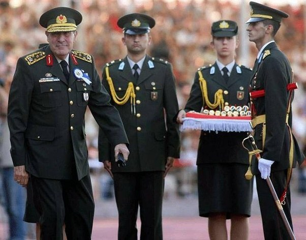 Ο αρχηγός των «Γκρίζων Λύκων» προειδοποιεί για εμφύλιο στην Τουρκία-Ετοιμάζουν νέο πραξικόπημα οι εθνικιστές;