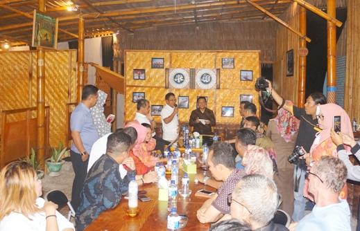Gala Dinner Dengan Bupati, Pengusaha Travel Dari Makassar ,Tertarik Buka Paket Wisata Ke Selayar