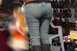 Madura pantalon apretado buen trasero