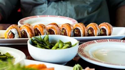 Perhatikan 5 Tips Ini Sebelum Makan Sushi di Restoran, Agar Tak Keracunan.