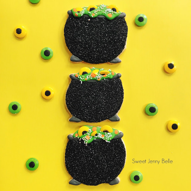 witch cauldron cookie tutorial