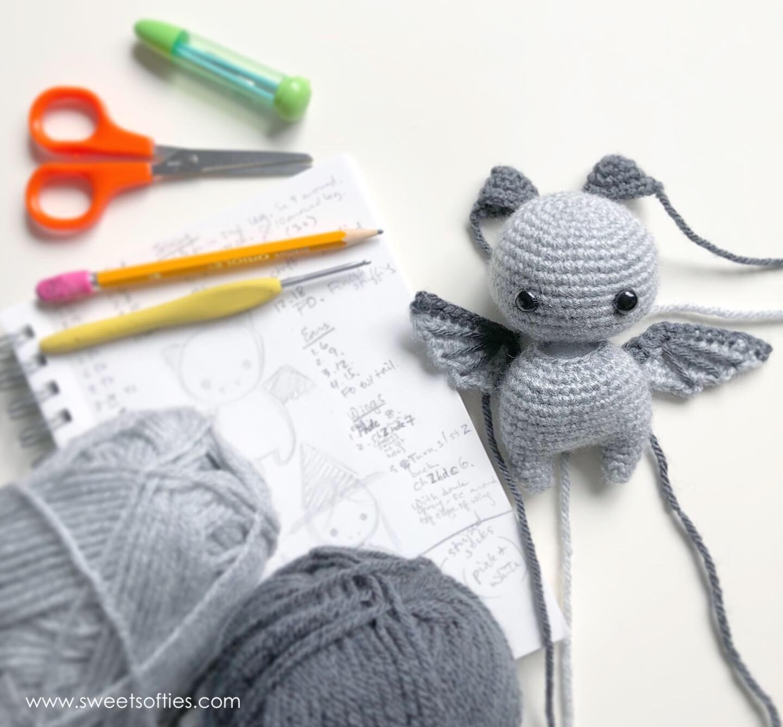 How To Crochet A Bat ~ Beginner Friendly Video - YouTube   1336x1440