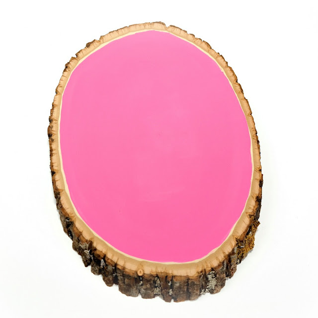 How-to-Apply-Pink-Acrylic-Paint-to-a-Walnut-Hollow-Wood-Slice