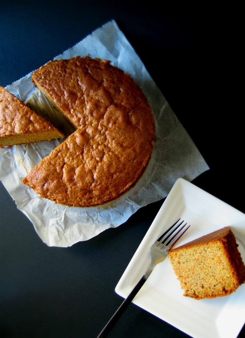 Bolo de amêndoa e cenoura (sem farinha) / (Flourless) almond-carrot cake