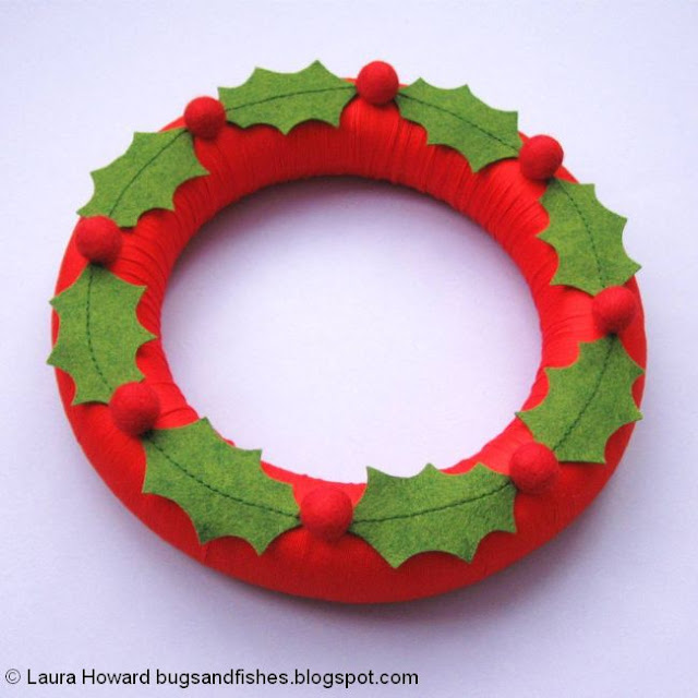 the finished holly wreath