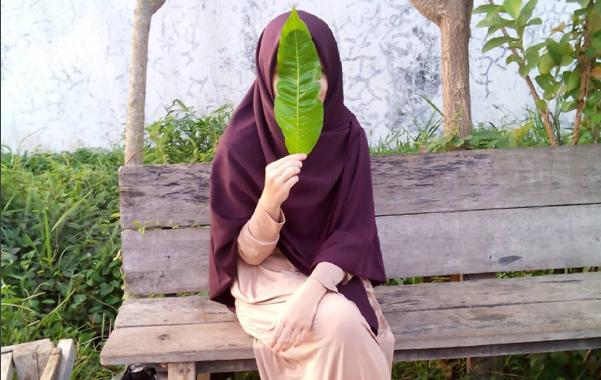 Foto Orang Muslimah Dari Belakang