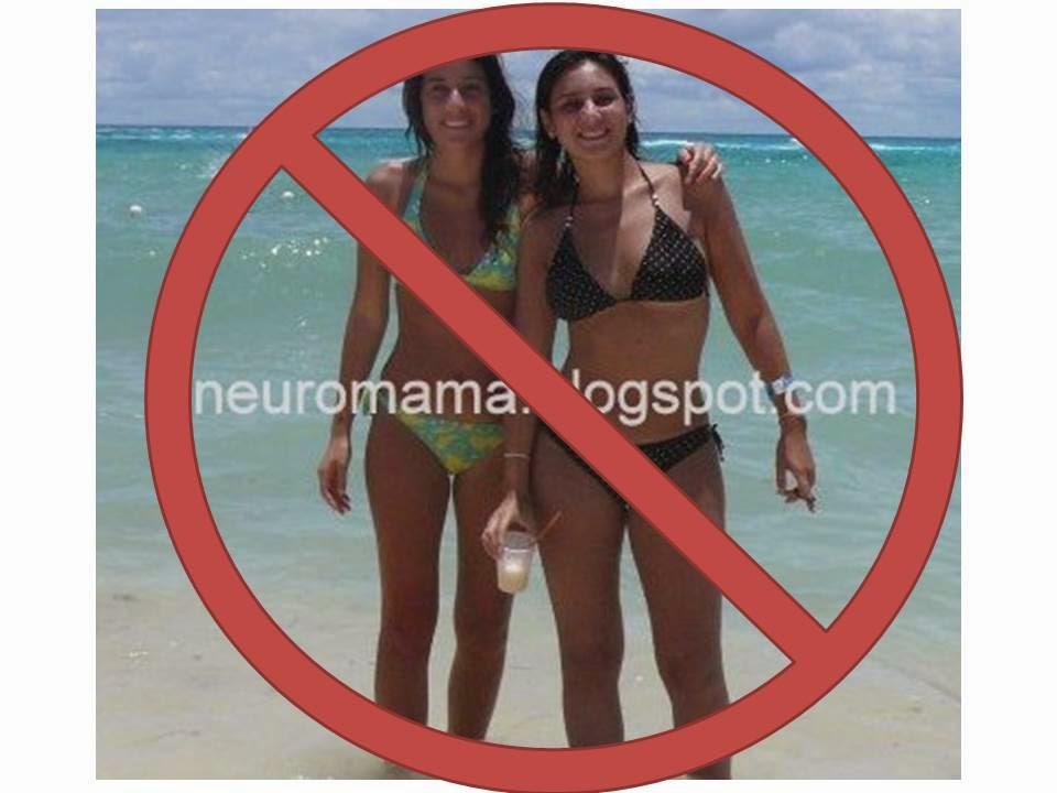 Dos chicas en bikini tachadas son el signo de no. Porque las mujeres no pueden divertirse igual que los hombres