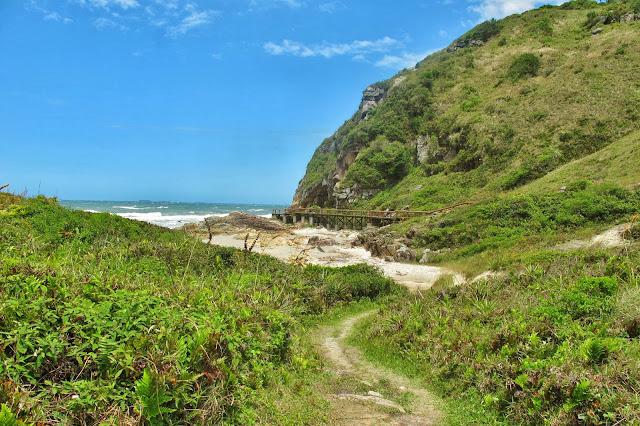 Gruta das Encantadas na Ilha do Mel no Paraná.