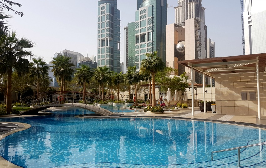 Shangri La Hotel Doha Swimming Pool