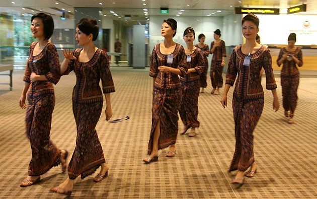 Fly Gosh Singapore Airlines Cabin Crew Walk In