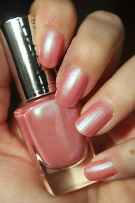http://lacquediction.blogspot.de/2014/01/beyu-electric-sky-568-fairy-rose.html