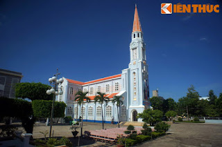 Khám phá nhà thờ Nhọn nổi tiếng ở TP. Quy Nhơn www.huynhgia.biz