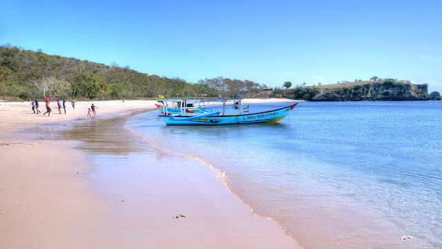 Pink Beach Lombok Yang Mempesona