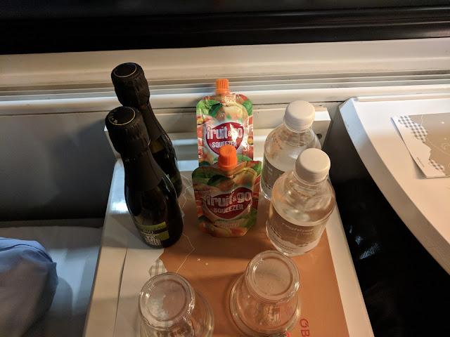 Бесплатное игристое вино в поезде Вена-Цюрих