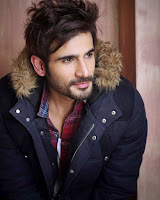 Karan Tacker sebagai pemeran Viren Singh Vadhera