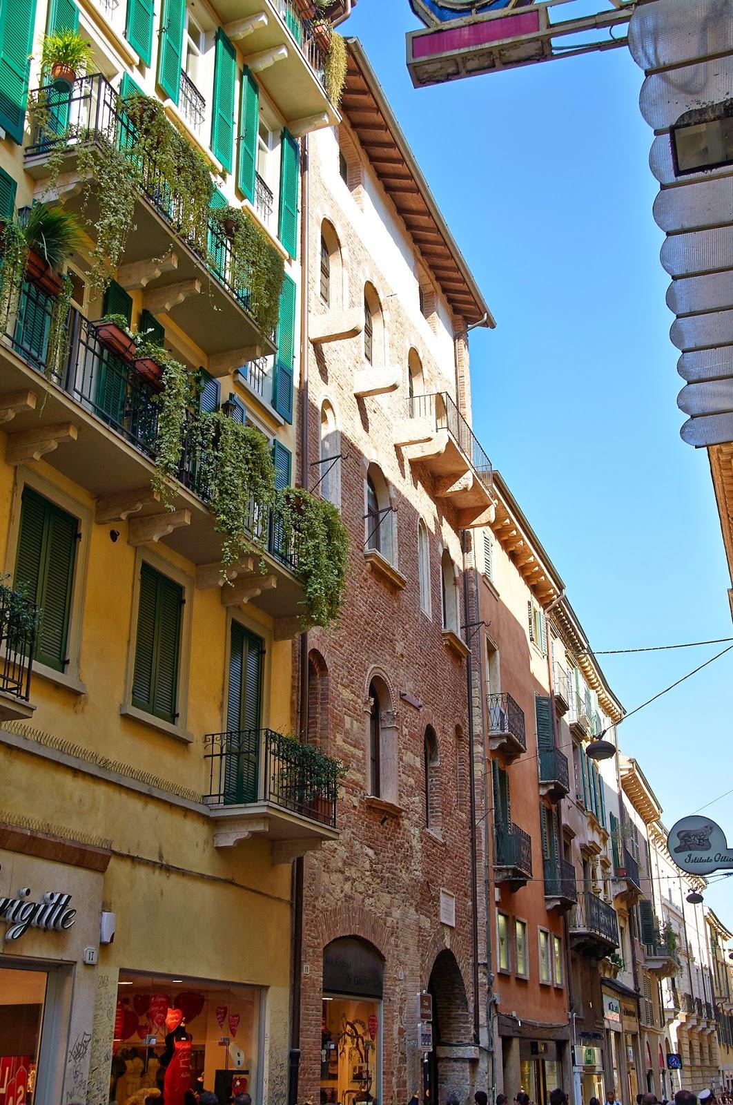włoskie uliczki w Weronie