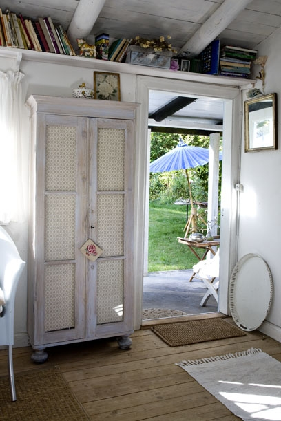 A joyful cottage living large in small spaces nostalgic - Front door opens to kitchen ...