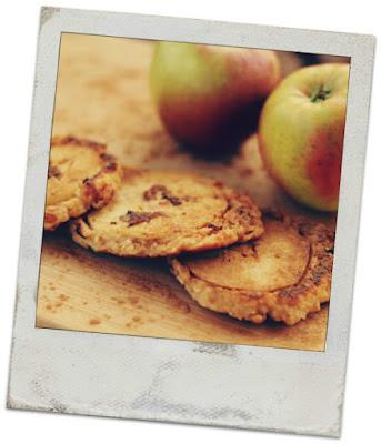 Placuszki jabłkowo - serowe